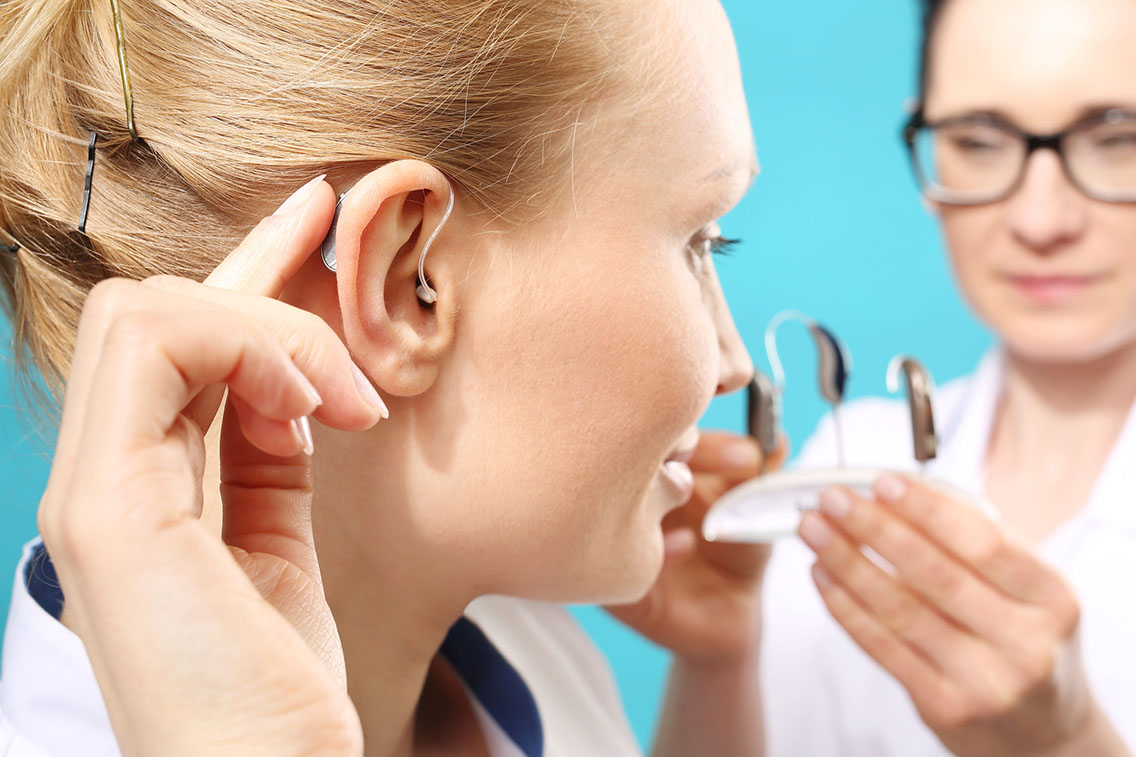 Difference between cochlear implants vs hearing aids by Art of Hearing